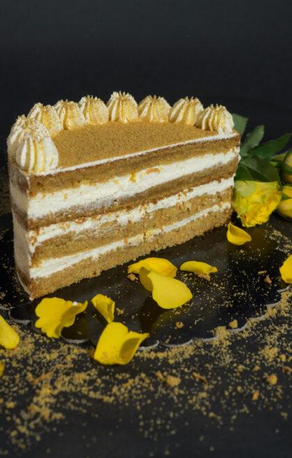 tort-carrot-cake-pamiria-cofetarie-timisoara4